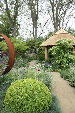 RHS Chelsea 2013 - The M&G Centenary Garden – 'Windows through Time'