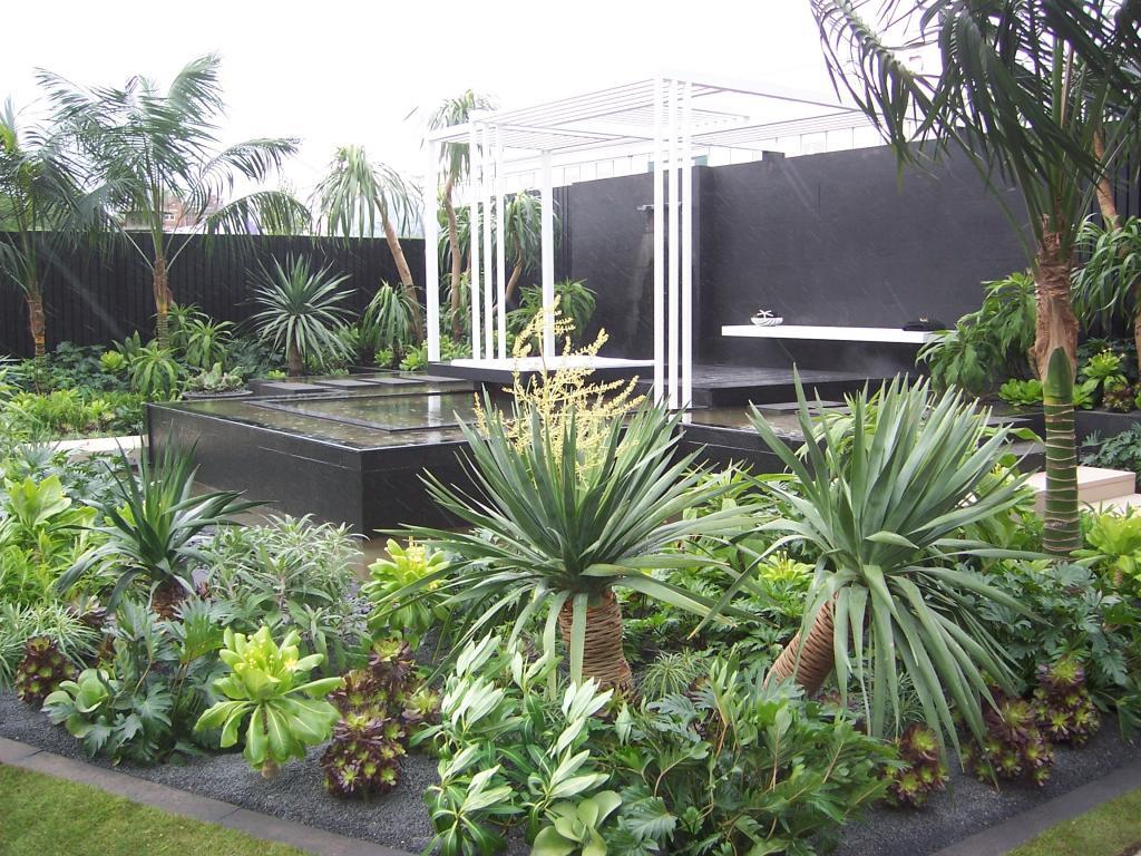 Show gardens garden and plant photos for Garden salon