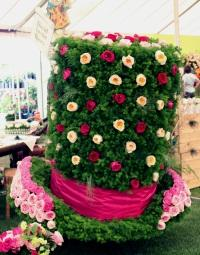Top hat made from Roses