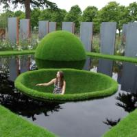 Episode 2: The 2011 Hampton Court Flower Show